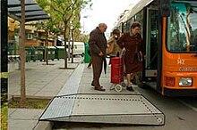 Mobiliario urbano wikipedia la enciclopedia libre for Ejemplos de mobiliario urbano