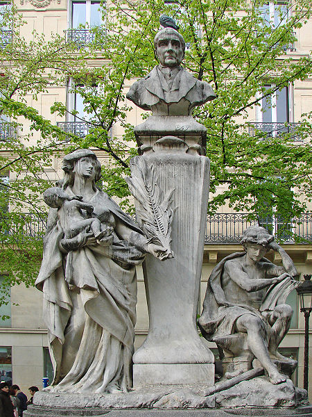 File:Monument Auguste Comte (Place de la Sorbonne, Paris) (2424895170).jpg