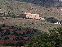 Monasterio Deyrülzafarân o de San Hananyo, visto de muy lejos