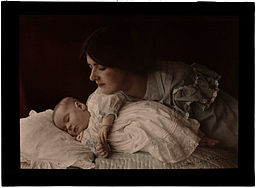 http://upload.wikimedia.org/wikipedia/commons/thumb/c/c7/Mother_and_Child%2C_1912.jpg/256px-Mother_and_Child%2C_1912.jpg
