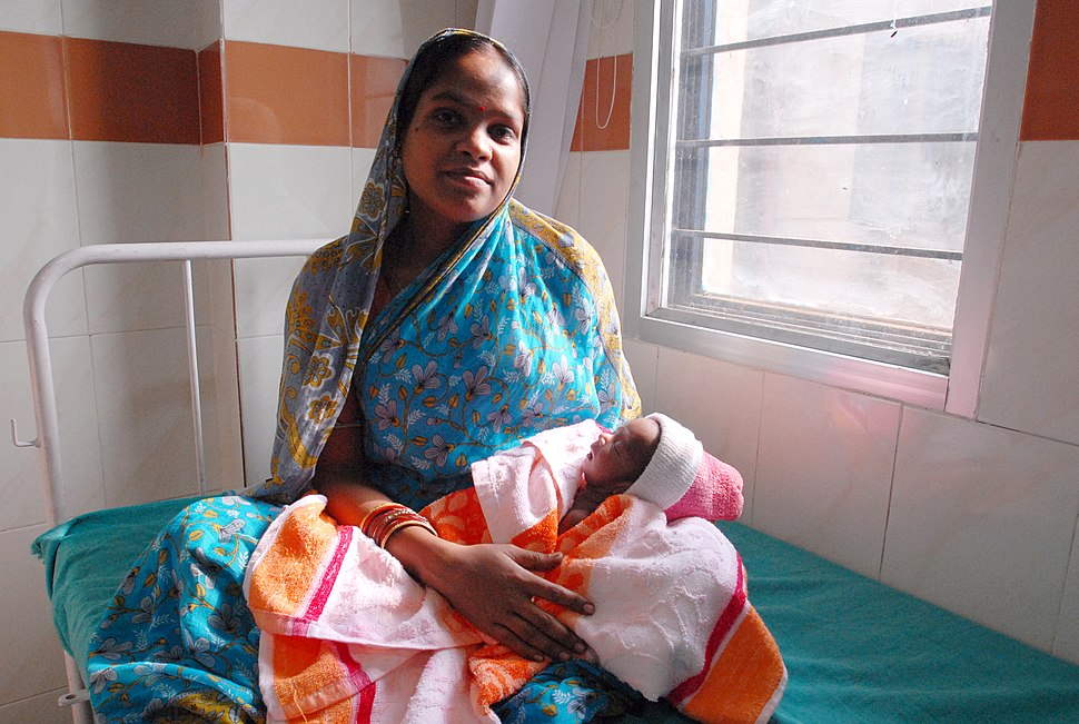 Mother and newborn child in Orissa