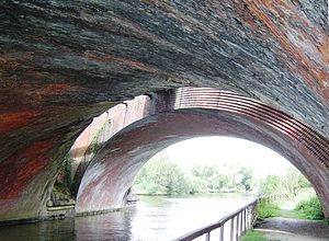 Moulsford Railway Bridge - The bridges from underneath with the original closest