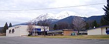 Photo of Mount Shasta High School with Mount Shasta in the background