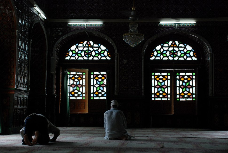 Muslims praying in mosque in Srinagar, Kashmir