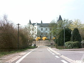 Schloss Berg in Nennig (April 2006)