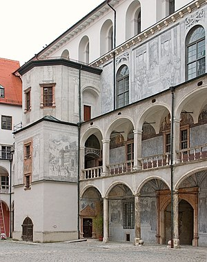 Neuburg Castle (Bavaria) - Courtyard with the wing completed in 1537