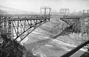 Whirlpool Rapids Bridge - Bridge construction