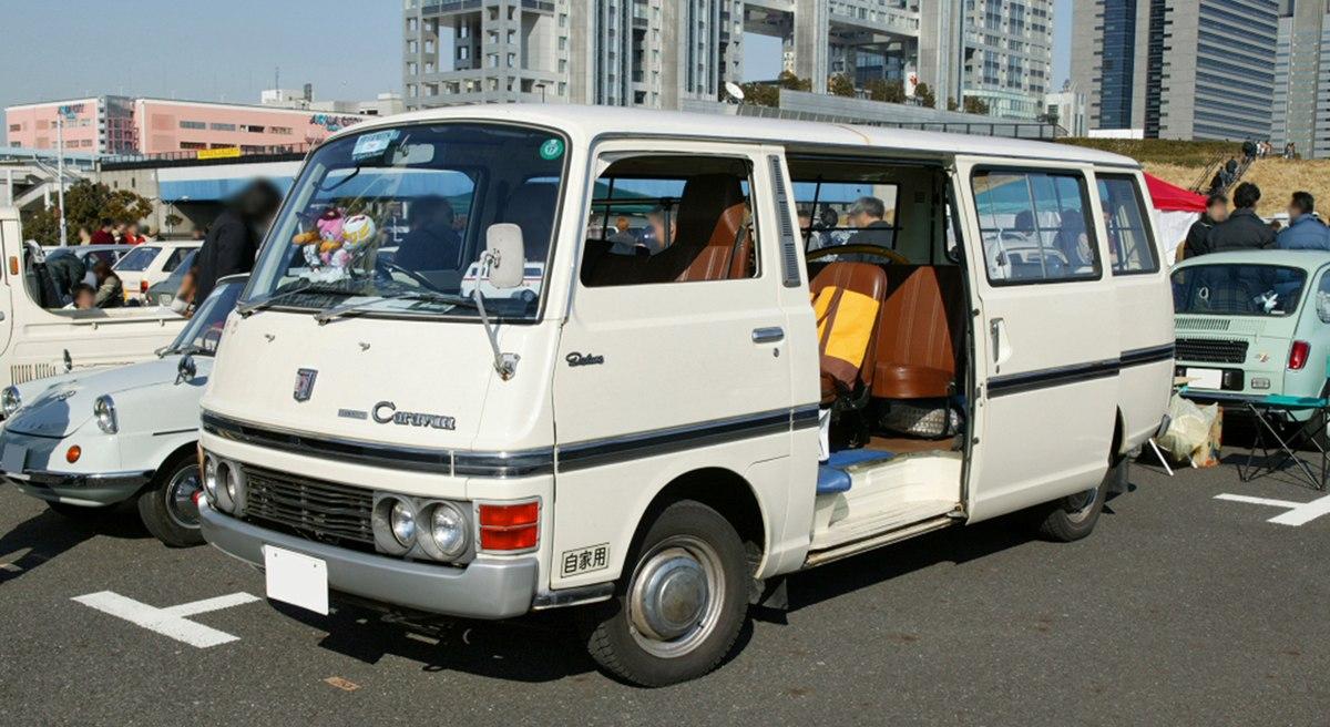 Nissan Caravan E20 001.jpg