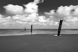 Norderney, Nordsee am Oststrand -- 2016 -- 5167 (bw).jpg