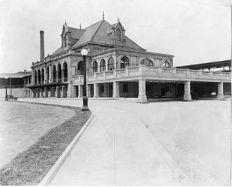 North Philadelphia station - North Philadelphia station in 1915 after the completion of alterations including the adaptation of the original basement as the new entrance level