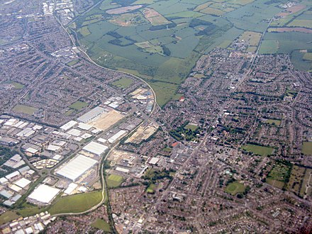 Aerial photograph of Northern Dunstable, showing the Luton to Dunstable Busway and the A5 road Northern Dunstable from the air (geograph 4547146).jpg