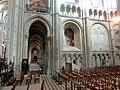 Noyon (60), cathédrale Notre-Dame, croisillon nord, parties basses côté ouest 1.jpg