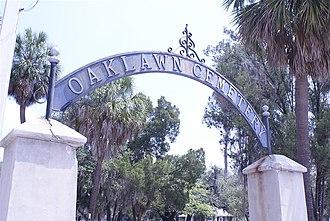 Oaklawn Cemetery - Harrison St. entrance to Oaklawn Cemetery