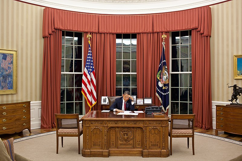 File:Obama edits speech before announcing death of Osama bin Laden.jpg