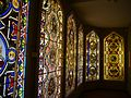 Oberhofen Schloss Oberhofen Innen Raum mit Glasmalereien 02.JPG