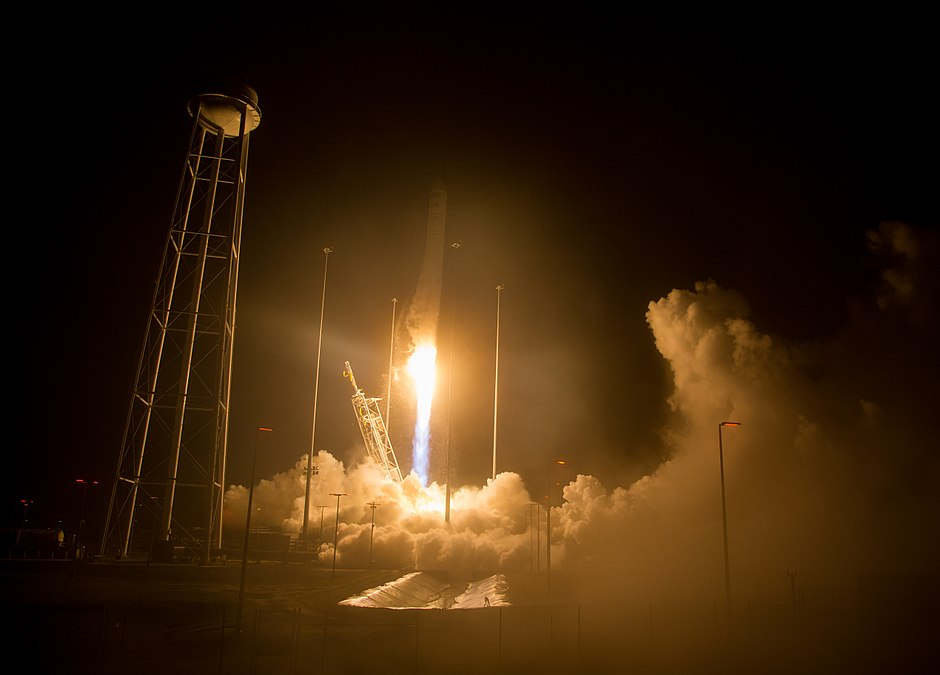 Orbital ATK CRS-9 Launch (NHQ201805210007).jpg