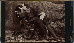 Oscar Wilde (1854-1900) in New York, 1882. Picture by Napoleon Sarony (1821-1896) 8a.jpg