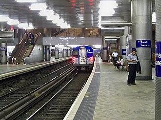 Cross-platform interchange - Sign for cross-platform transfer at Journal Square