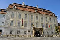 Palatul Brukenthal din Piata Mare.jpg