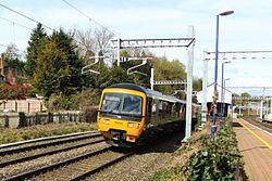 Pangbourne - GWR 166206 London train passing.JPG
