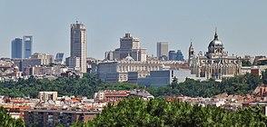 Panorama de Madrid desde el parque de San Isidro.JPG