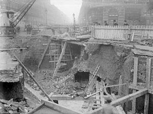 History of rapid transit - Paris Métro under construction around 1900.