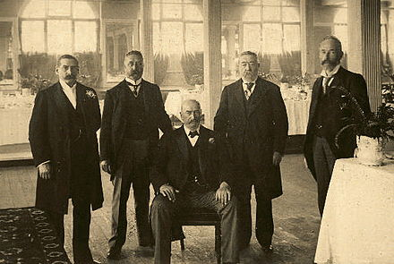 The firm of Paterson, Laing and Bruce, 1900. John Bruce sits at the centre. Paterson, Laing and Bruce.jpg