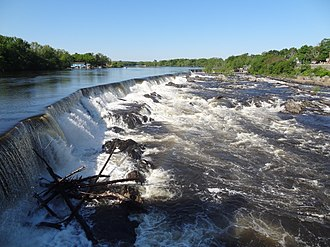 Pawtucket Falls (Massachusetts) - Pawtucket Falls and Pawtucket Dam viewed from Pawtucket Gatehouse in Lowell in May 2012