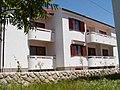 Petrinic house front - panoramio.jpg