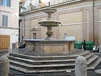 Piazza Madonna dei Monti - La fontana.JPG