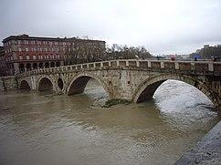 Ilha Tiberina inundada, dezembro de 2008