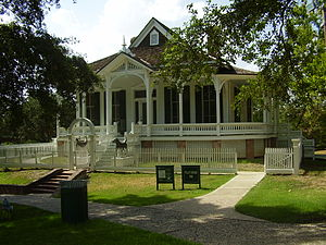 Henke & Pillot - The Pillot House in Sam Houston Park in Downtown Houston