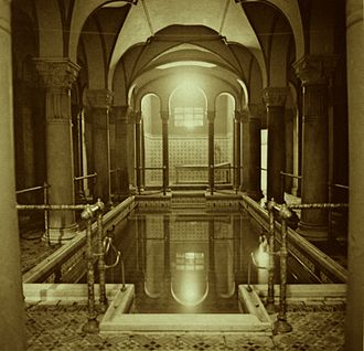 Central Bathhouse Vienna - Pool for men in the Central Bathhouse 1889; old advertising brochure (c. 1910)