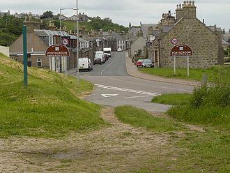 Portgordon - Portgordon, on the Speyside way, looking west along Gordon Road on the A990