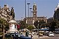 Portugalia Porto plac wolności pomnik Pedra IV 05 ratusz.jpg