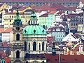 Prag - Blick vom Altstädter Rathausturm auf die St.-Nikolaus-Kirche am Kleinseitner Ring - Zobrazit od Starého věže radnice na kostel Sv. Mikuláše na Malostranském náměstí - panoramio.jpg