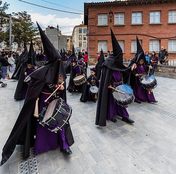 File:Procesión del Santísimo Cristo de la Paz en Jueves Santo, Calatayud, España, 2018-03-28, DD 07.jpg