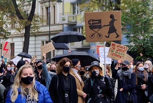 J. Hałun. Protest against abortion restriction in Kraków, 25 October 2020