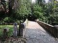 Puente hacia la necropolis - panoramio.jpg