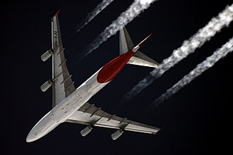 Cruise (aeronautics) - A four-engined Qantas Boeing 747-400 jet in cruise