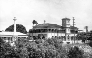 Queensland State Archives 206 War Memorial and Post Office Mackay c 1936