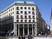 Raiffeisen Bank Wien - panoramio.jpg