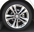 Rear tire and wheel of NISSAN FUGA Type S.jpg