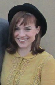 Renée Felice Smith 2012 (cropped).jpg