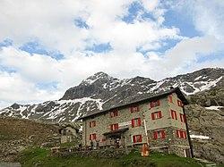 Rifugio Cristina 2.287 m Alpe Prabello - sullo sfondo Pizzo Scalino 3.323 m s.l.m - Valmalenco, Sondrio, Italy - 2018-06-09.jpg
