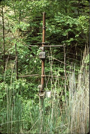 Roseville Tunnel - A 1988 photo of a rockslide detector in Colby Cut just west of Roseville Tunnel. If a rock broke through the screen, the trackside signals would automatically be set to stop.