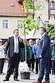 Ruhland, Luther-Eiche, Übergabe zur 700-Jahr-Feier.jpg