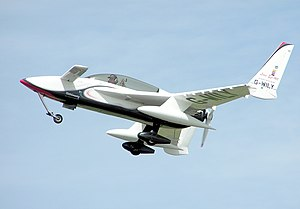 Homebuilt aircraft - A Rutan Long-EZ homebuilt in 1984 in England