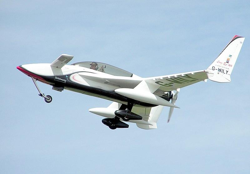 File:Rutan.long-EZ.g-wily.arp.jpg