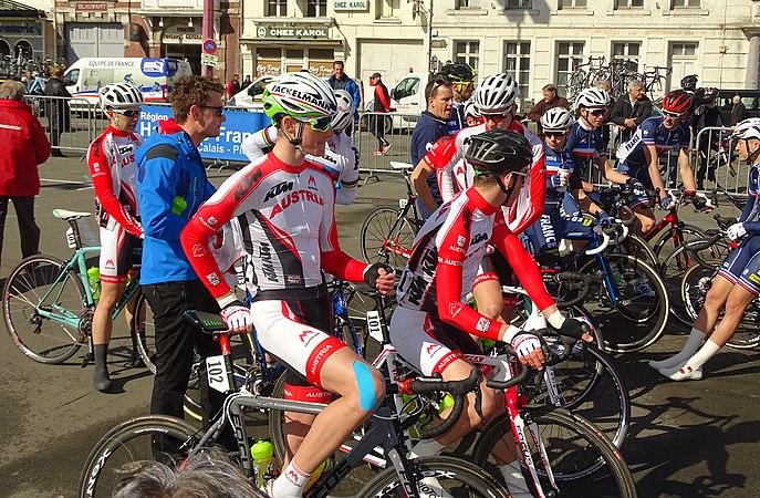 Saint-Amand-les-Eaux - Paris-Roubaix juniors, 10 avril 2016, départ (C24).JPG